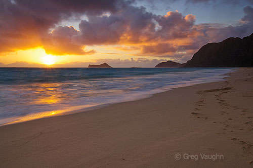 sunrise at Waimanalo Beach
