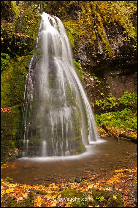 Spirit Falls waterfall Cascade Mountains Oregon